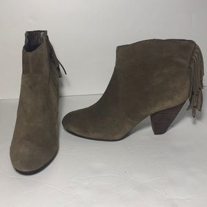 JESSICA SIMPSON Fringe OliveGreen Ankle Boots 6.5
